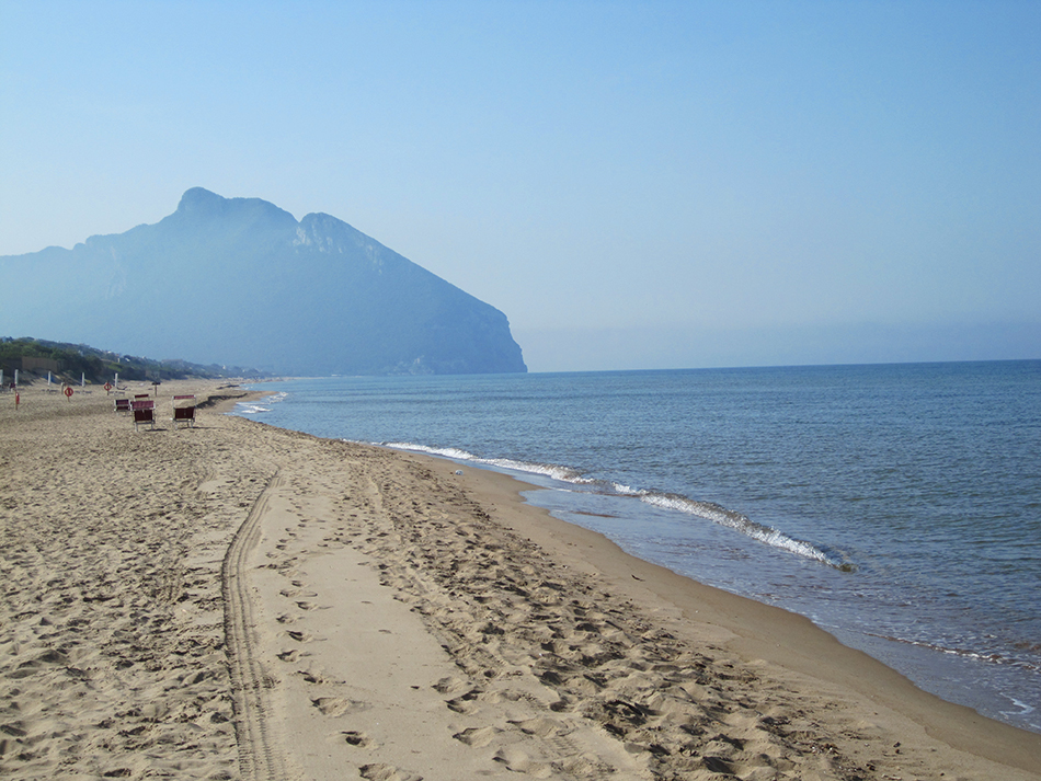 Circeo Beach lies at Sabaudia, about 40 km from Sperlonga, featuring memorable and breathtaking dunes.