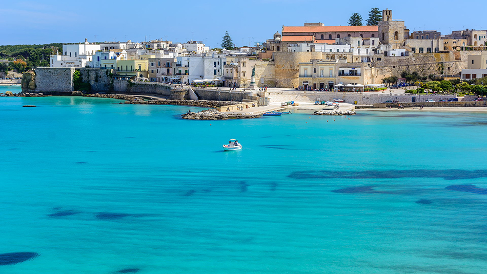 Otrato in Puglia is small port on the Adriatic coast with lovely holiday atmosphere.