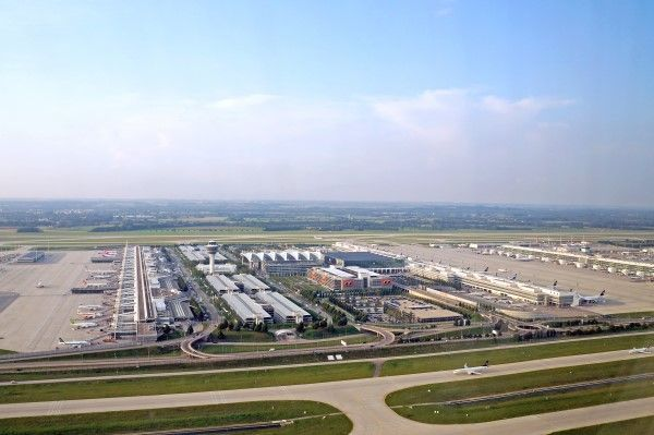 how to get to munich airport by train