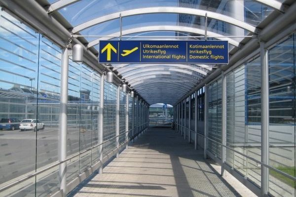 how to get to helsinki airport